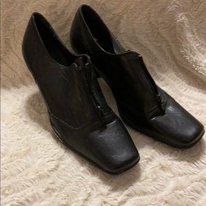 Aerosoles black bootie heels